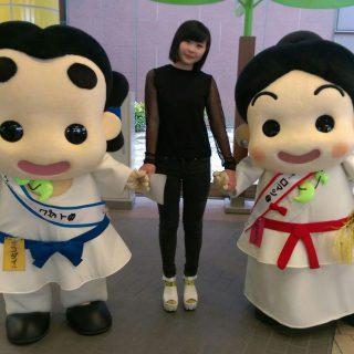 いずみの国和泉市PR大使の小出夏花さんとハイ・ポーズ☆
