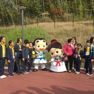 香港公立保良局黄永樹小学校から生徒35名のお友達と引率の方5名がいらっしゃいました~!