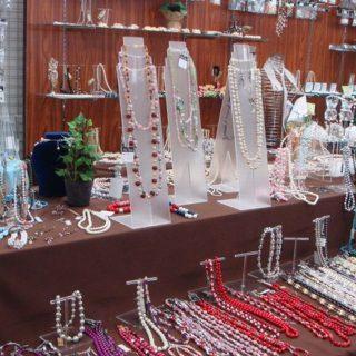 日本人造真珠硝子細貨工業組合展示場 (リアーナ)