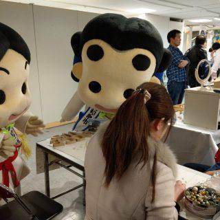 和泉市の地場産業である「いずみパール」のアクセサリー作り体験コーナーもありました!!