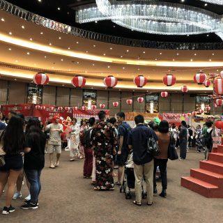 日本の夏祭りをテーマにしたこのイベントには、香港中の日本ファンが集まり、会場は大勢のお客さんでとってもにぎわっていたよ~!!