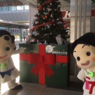 和泉中央駅にはすてきなクリスマスツリーが飾られているよ♪