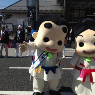 和泉府中駅前をだんじりが通っていったよ!