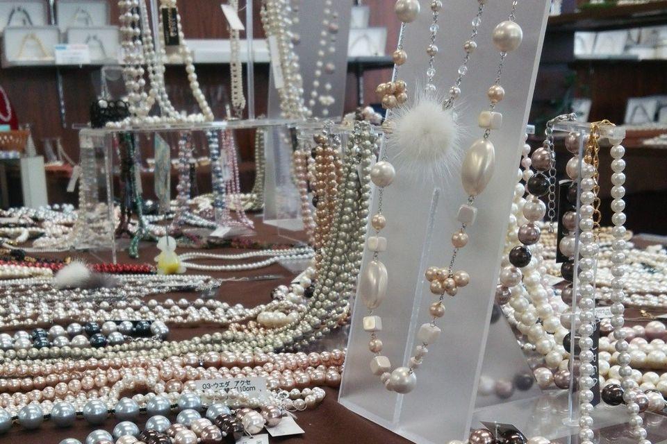 日本人造珍珠玻璃制品工業組合展示場 (Rihanna)